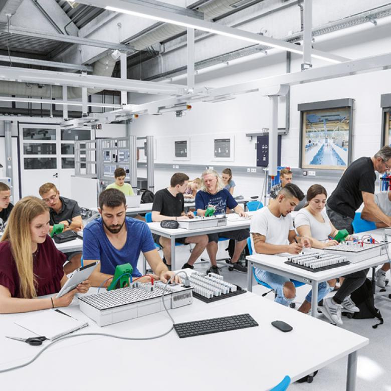 Podstawy elektrotechniki przemysłowej w praktyce